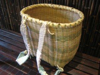 カラ竹背負い篭(中)
