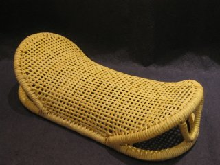 籐枕(三日月)枕が低い
