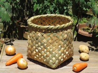 竹製野菜かご(四つ目)小(底四角)