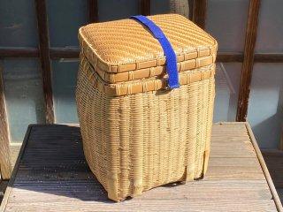 竹製磨き釣り篭(中篭2個・アジロ蓋付)ベルト 経年変色【現品限り】