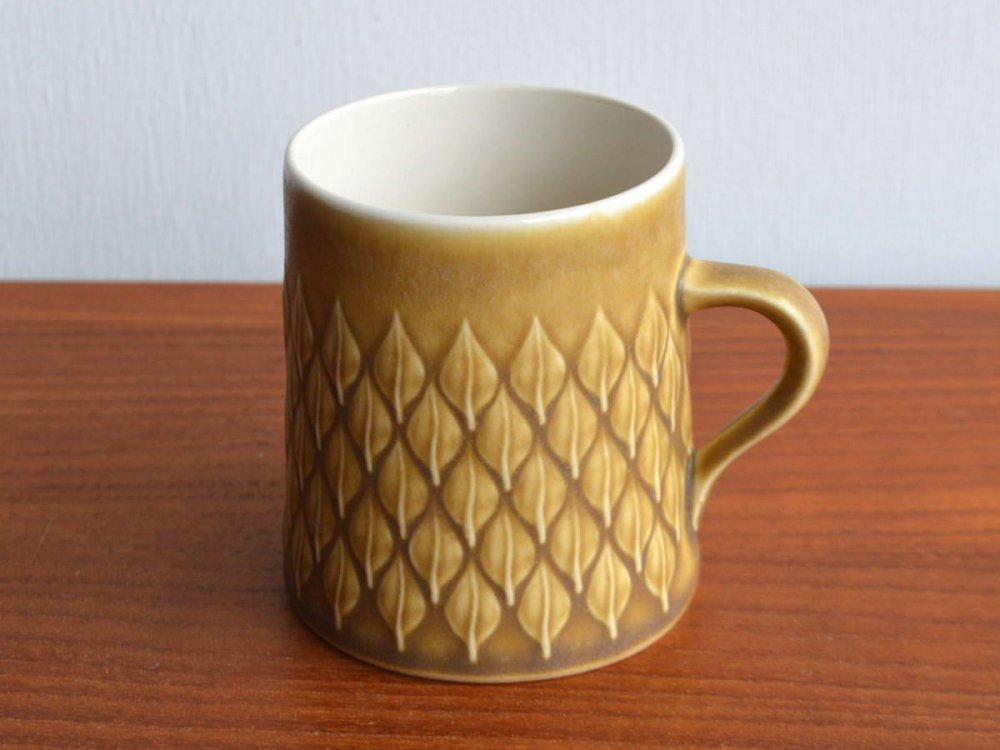 Cup/Relief
