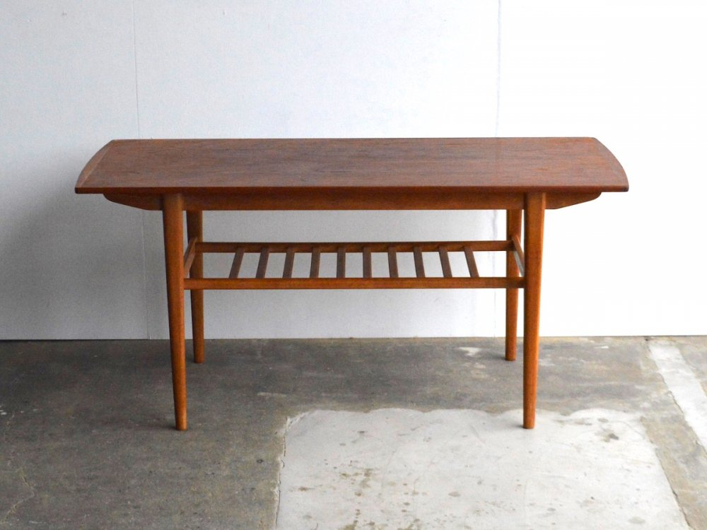 Living Table /Jolly