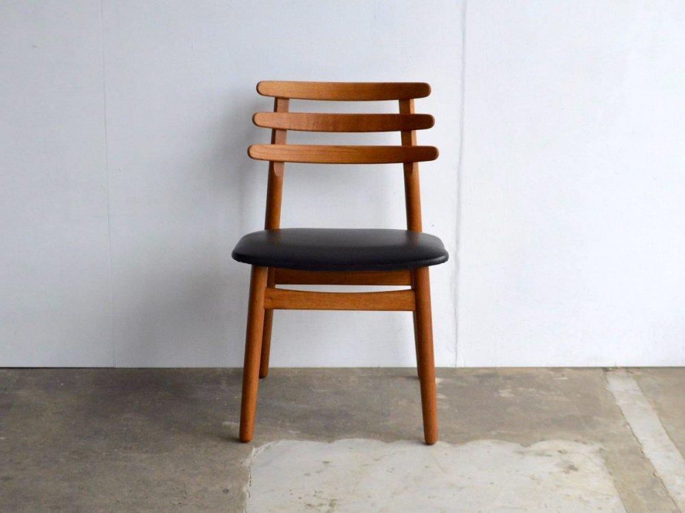 Chair (1)/ J48