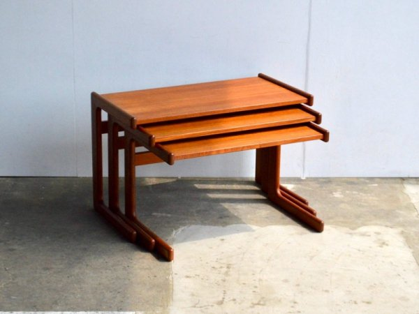 Nest Table (6)