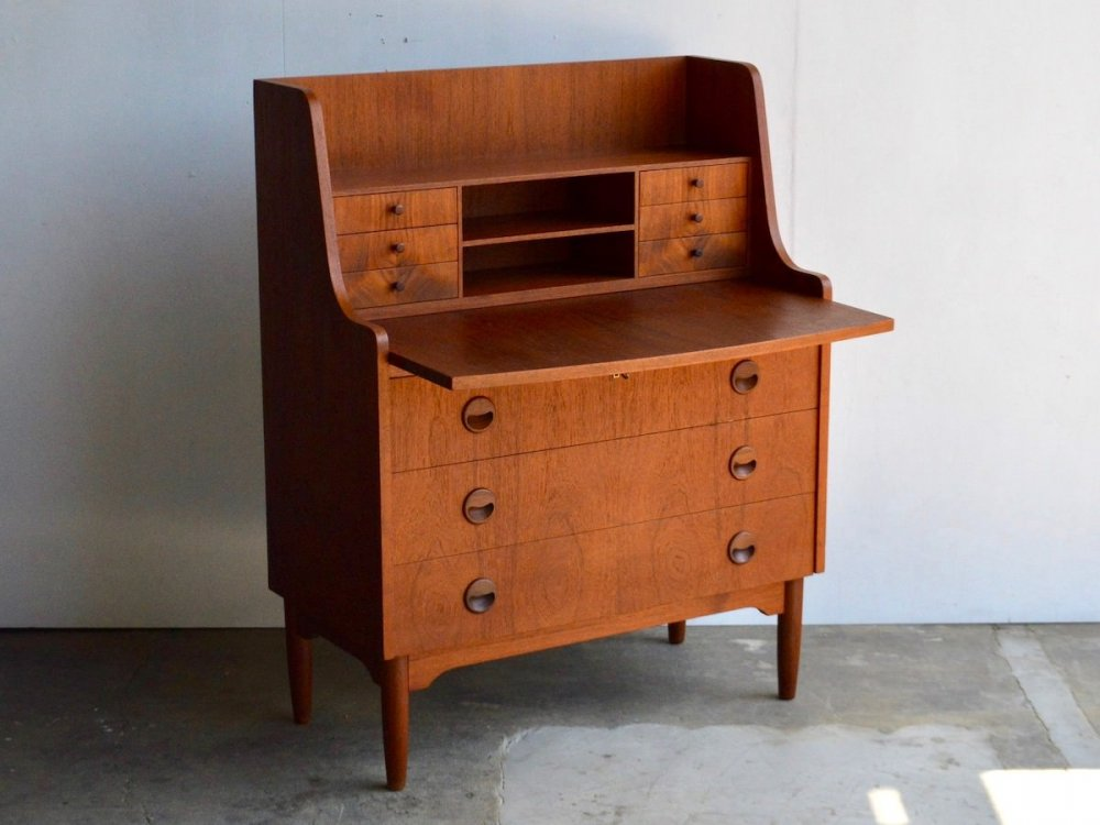 Writing Bureau (1)