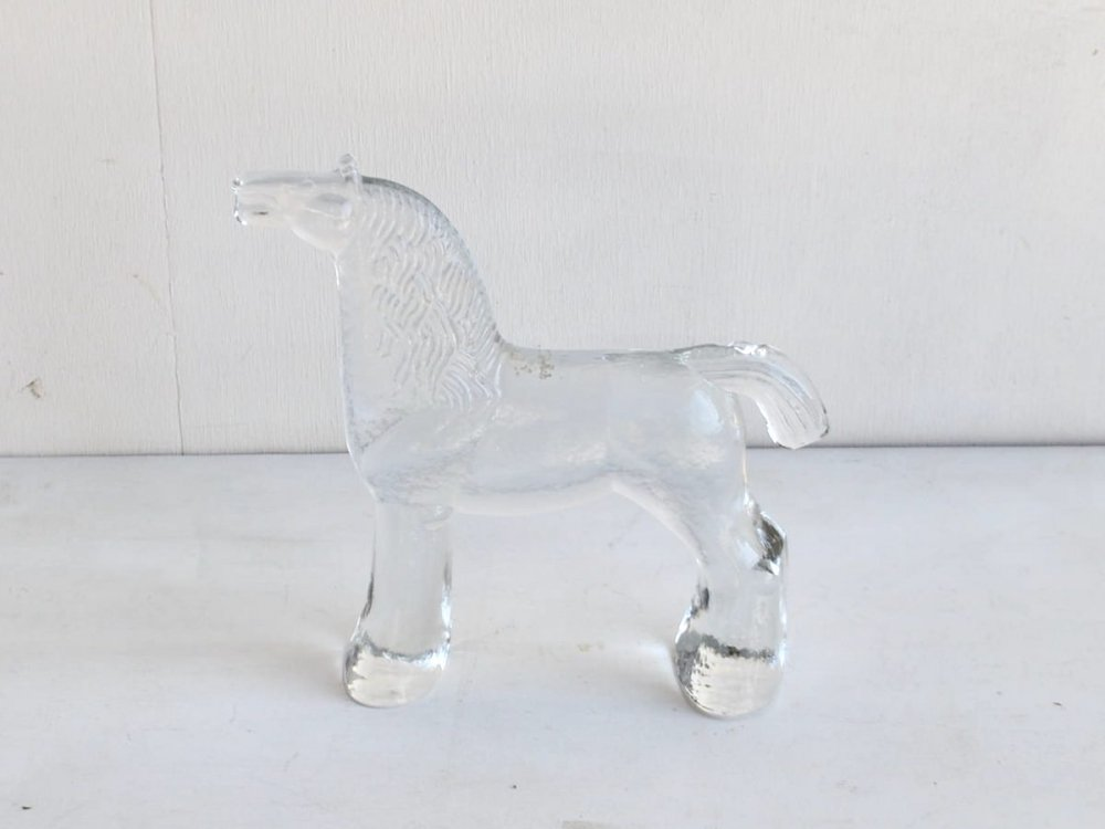 Glass object (1) / 馬