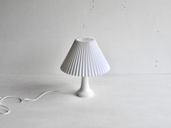 Desk lamp (88)