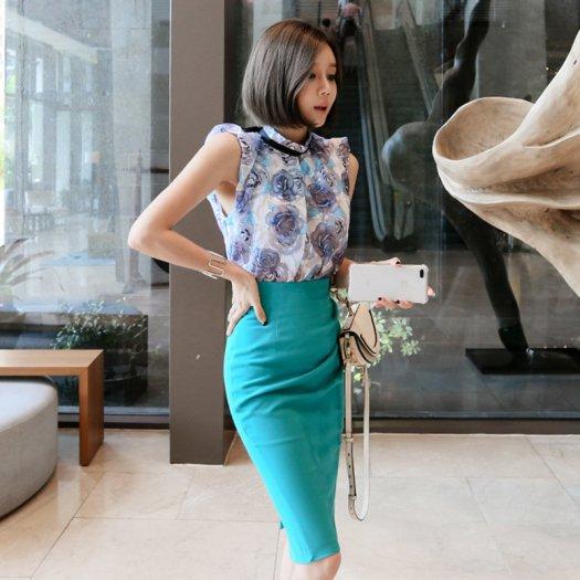 素敵 フラワートップス&タイトスカート セットアップ ハイネック ノースリーブ ミディアム パーティー ドレス