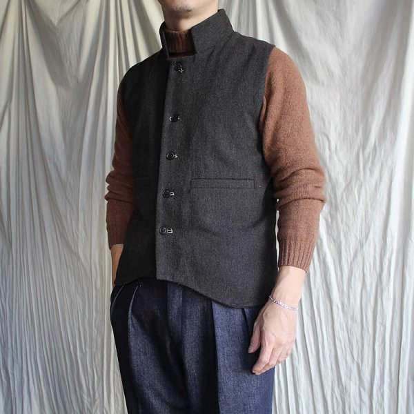 <img class='new_mark_img1' src='https://img.shop-pro.jp/img/new/icons41.gif' style='border:none;display:inline;margin:0px;padding:0px;width:auto;' />HACKNEY UNION WORKHOUSE / field gilet (32.000→25.600税抜)