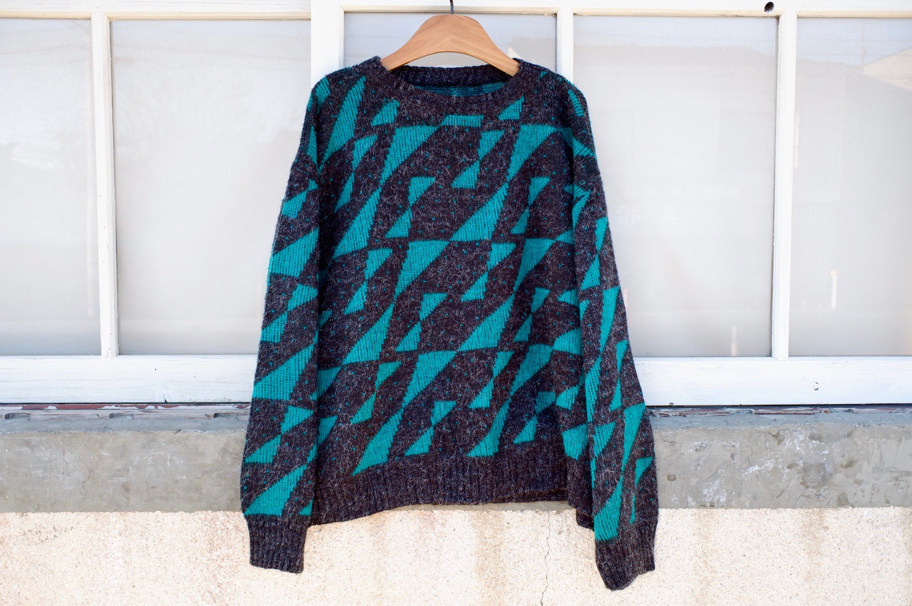 <img class='new_mark_img1' src='https://img.shop-pro.jp/img/new/icons42.gif' style='border:none;display:inline;margin:0px;padding:0px;width:auto;' />demon's hideout sweater