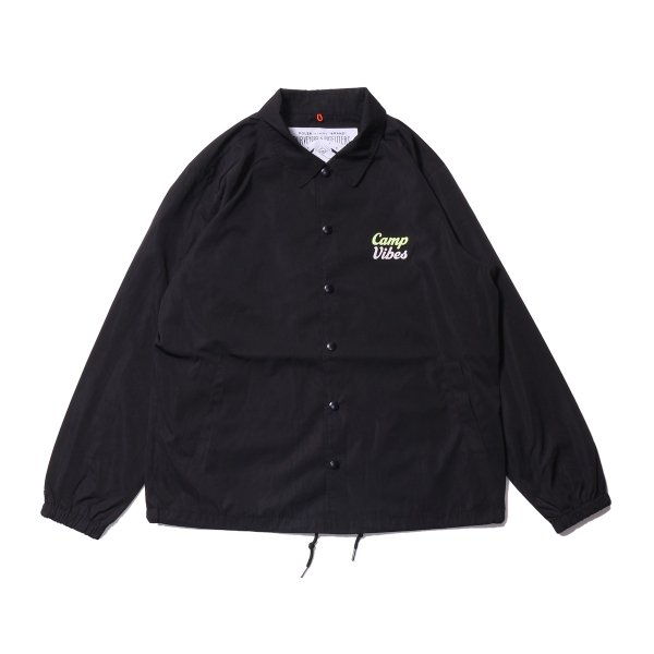 <img class='new_mark_img1' src='https://img.shop-pro.jp/img/new/icons16.gif' style='border:none;display:inline;margin:0px;padding:0px;width:auto;' />CAMP VIBES COACH JACKET - BLACK