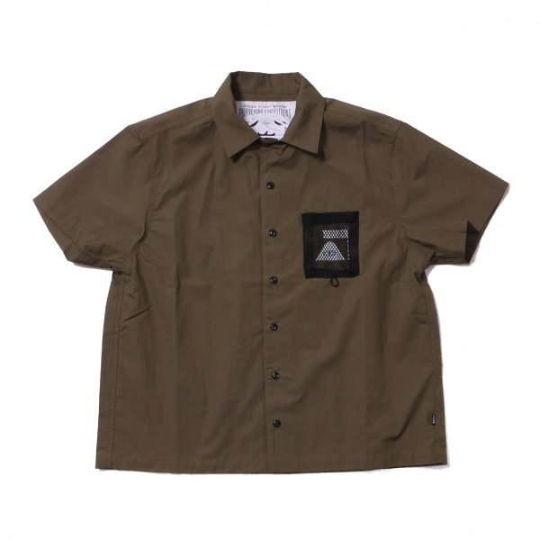 <img class='new_mark_img1' src='https://img.shop-pro.jp/img/new/icons16.gif' style='border:none;display:inline;margin:0px;padding:0px;width:auto;' />COTTON LIP MESH POCKET OPEN COLLAR SHIRT - OLIVE