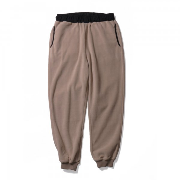 <img class='new_mark_img1' src='https://img.shop-pro.jp/img/new/icons16.gif' style='border:none;display:inline;margin:0px;padding:0px;width:auto;' />SNUG FLEECE PANT - DARK BEIGE/BLACK