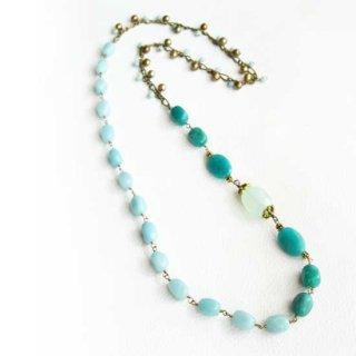 グリーン 天然石 ロングネックレス 緑 カルセドニー  アマゾナイト ビーズネックレス 大ぶり かぶり ネックレス