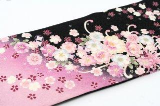 レンタル 振袖 黒・裾ピンク ピンクの花金の縁取り