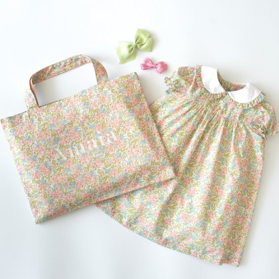<img class='new_mark_img1' src='https://img.shop-pro.jp/img/new/icons14.gif' style='border:none;display:inline;margin:0px;padding:0px;width:auto;' />Amaia Kids - Pepa new dress - Liberty floral アマイアキッズ - リバティプリントワンピース