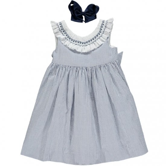 <img class='new_mark_img1' src='https://img.shop-pro.jp/img/new/icons14.gif' style='border:none;display:inline;margin:0px;padding:0px;width:auto;' />Amaia Kids - Poppy dress - Navy striped seersucker アマイアキッズ - スモッキング刺繍ワンピース