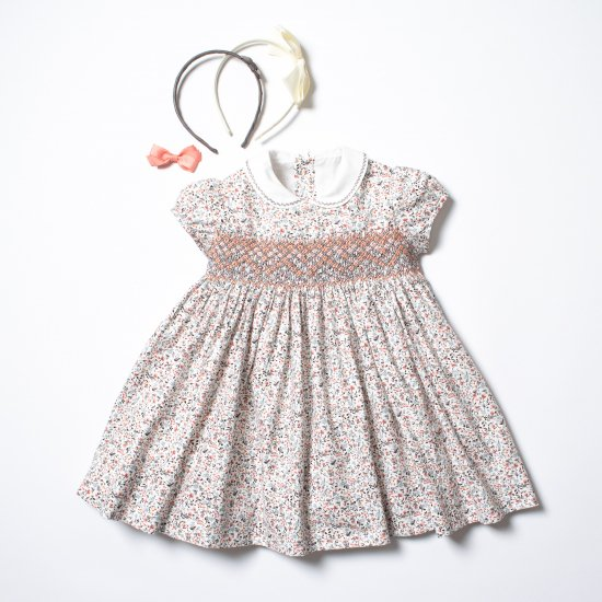 <img class='new_mark_img1' src='https://img.shop-pro.jp/img/new/icons14.gif' style='border:none;display:inline;margin:0px;padding:0px;width:auto;' />Amaia Kids - Shirley dress - Creamy floral アマイアキッズ - スモッキング刺繍ワンピース