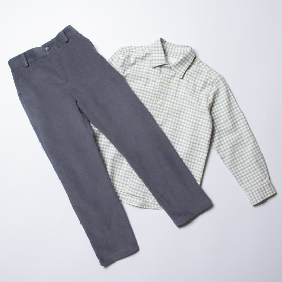 <img class='new_mark_img1' src='https://img.shop-pro.jp/img/new/icons14.gif' style='border:none;display:inline;margin:0px;padding:0px;width:auto;' />Amaia Kids - Theodore trousers - Grey blue アマイアキッズ - コーデュロイパンツ