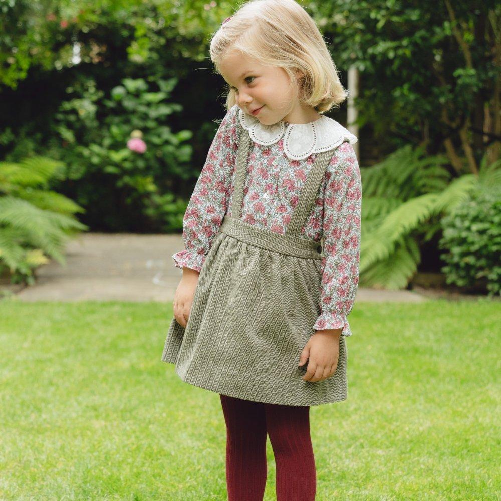 <img class='new_mark_img1' src='https://img.shop-pro.jp/img/new/icons14.gif' style='border:none;display:inline;margin:0px;padding:0px;width:auto;' />Amaia Kids - Valeria skirt - Khaki herringbone アマイアキッズ - スカート