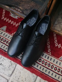 <img class='new_mark_img1' src='https://img.shop-pro.jp/img/new/icons5.gif' style='border:none;display:inline;margin:0px;padding:0px;width:auto;' />TRAVEL SHOES by chausser <br>TR-008