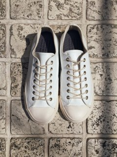 REPRODUCTION OF FOUND US ARMY TRAINER WHT