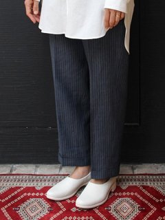 <img class='new_mark_img1' src='https://img.shop-pro.jp/img/new/icons5.gif' style='border:none;display:inline;margin:0px;padding:0px;width:auto;' />【再入荷】TRAVEL SHOES bychausser <br>TR-018
