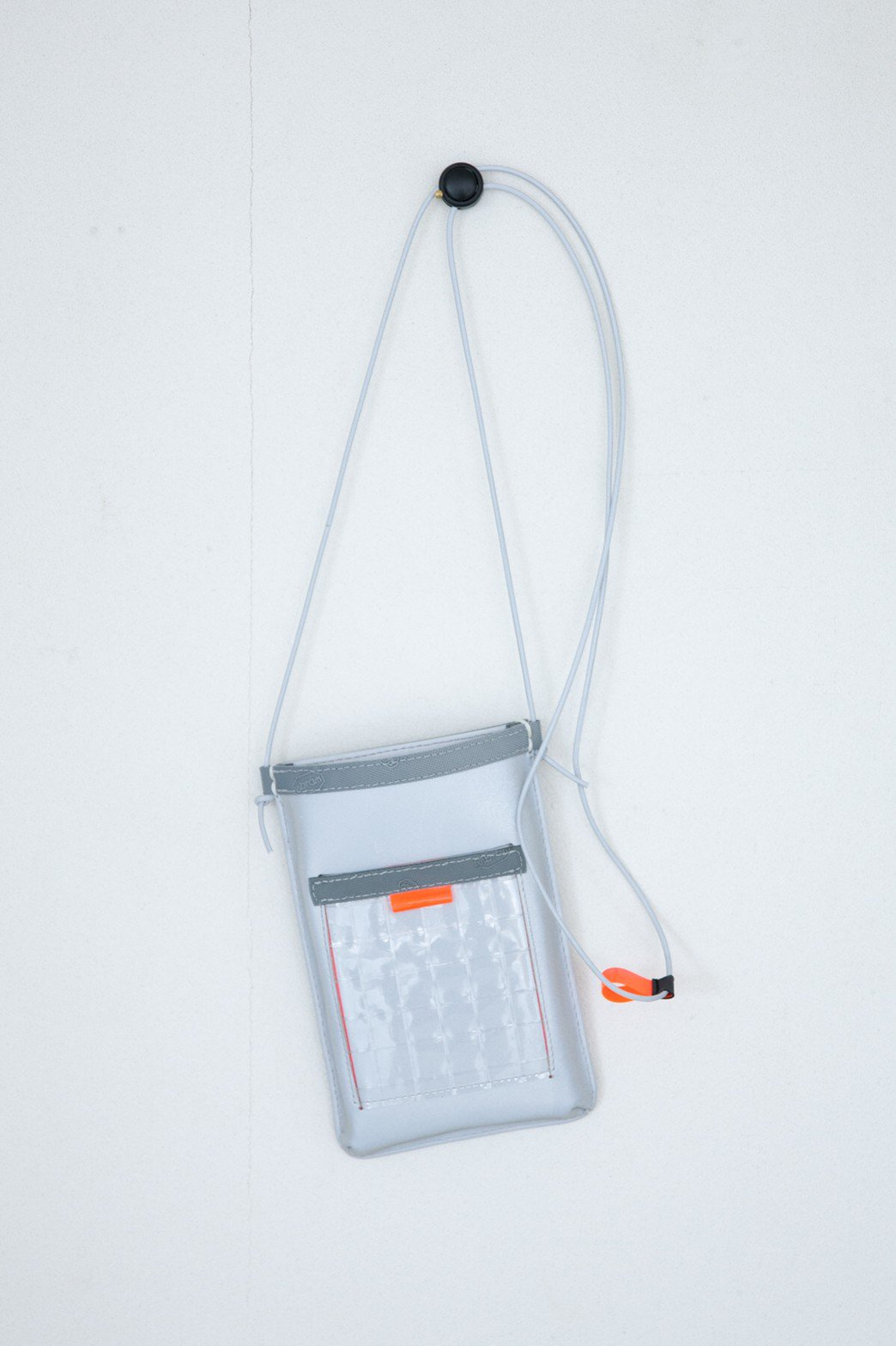 THISWAY / REFLCTION MOBILE CASE SILVER