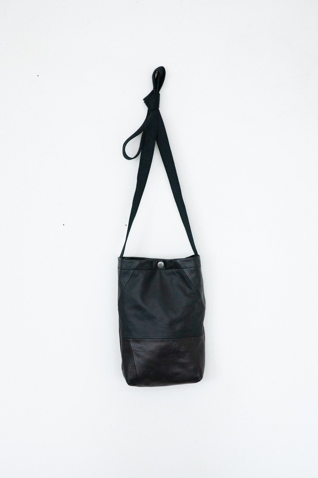 HOMELESS TAILOR / PATCH LEATHER BAG