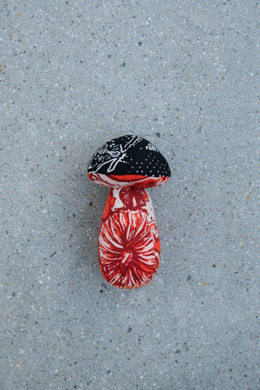 One Ear Brand / Putpet Bandanna Doll Mushroom 1