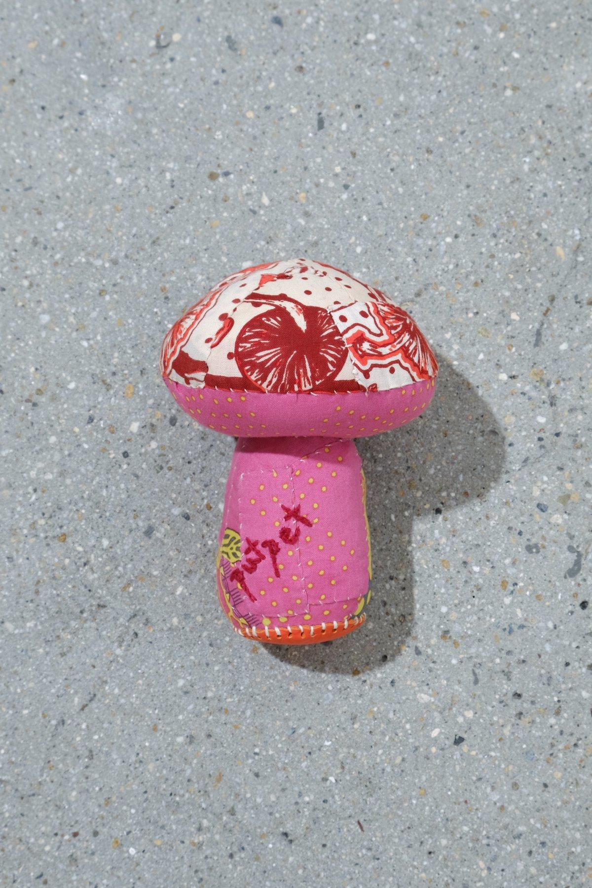 One Ear Brand / Putpet Bandanna Doll Mushroom 4