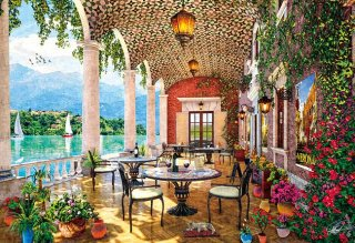 湖畔のカフェテラス