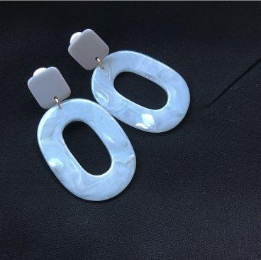 marble stone pierce earring