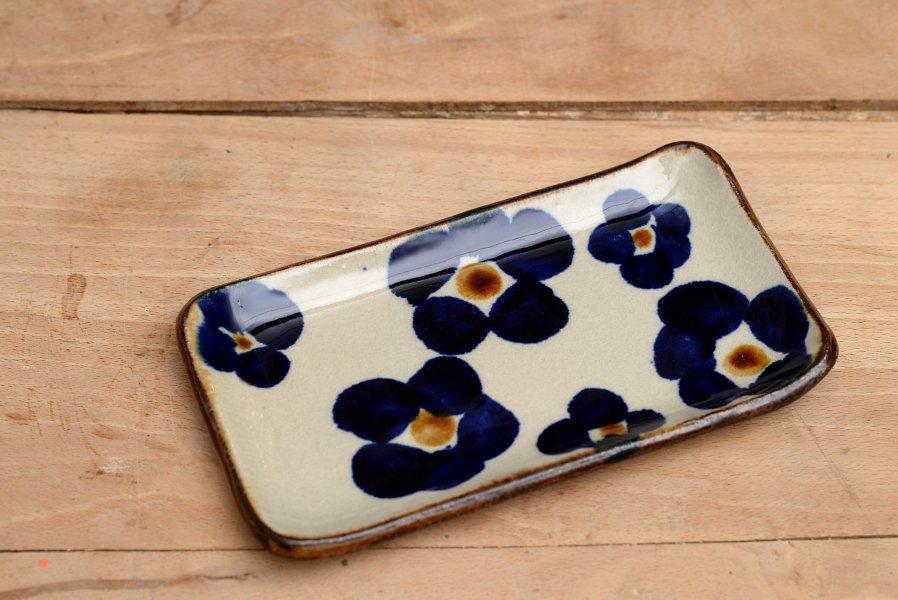 エドメ陶房 板皿 花紋