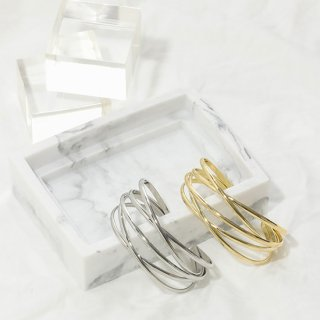 <img class='new_mark_img1' src='https://img.shop-pro.jp/img/new/icons3.gif' style='border:none;display:inline;margin:0px;padding:0px;width:auto;' />Wide Layered Bangle【ネコポス不可】