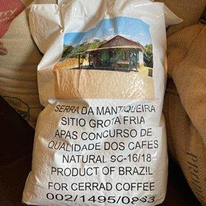 ブラジル セーラ ダ マンチケーラ グロッタ フリア (焙煎豆 200g)