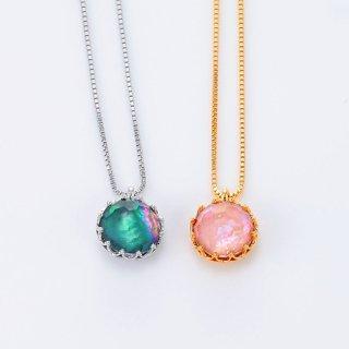 移ろいゆく空の色の水晶螺鈿ペンダント