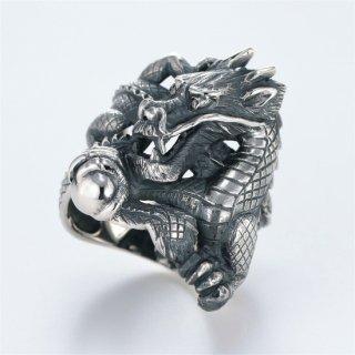 宝珠を持つ龍のシルバーリング