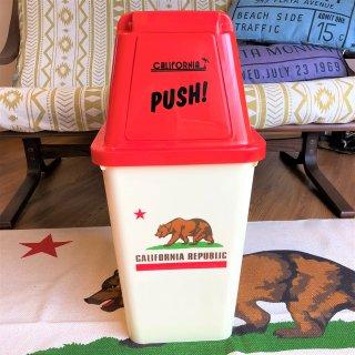 カリフォルニア州旗柄のゴミ箱