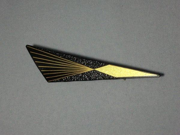 ブローチ   集中線 (鈍角三角形)