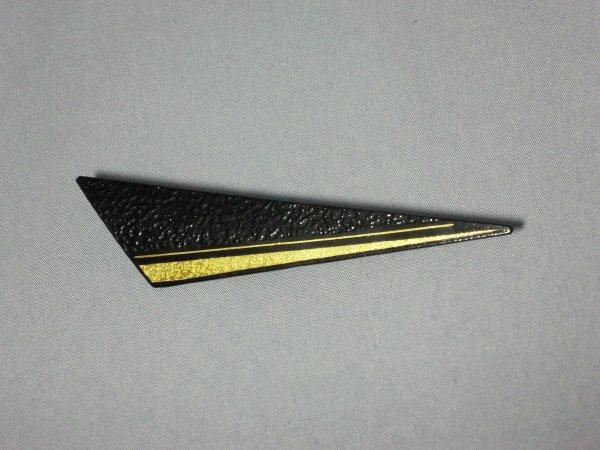 ブローチ 横縞 (鈍角三角形)