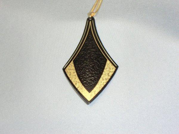 ペンダント 菱枠B(変形菱形)