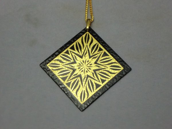 ペンダント 神聖幾何学 星(正方形菱)