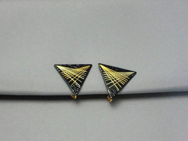 イヤリング 舞台放射光(正三角形)