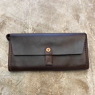 <img class='new_mark_img1' src='https://img.shop-pro.jp/img/new/icons8.gif' style='border:none;display:inline;margin:0px;padding:0px;width:auto;' />OROX LEATHER Co./MERCES WALLET/ BROWN