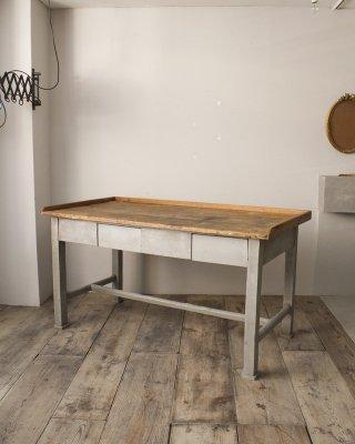 ワークテーブル  Work Table