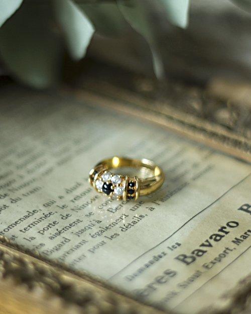 Black Stone Gold Ring