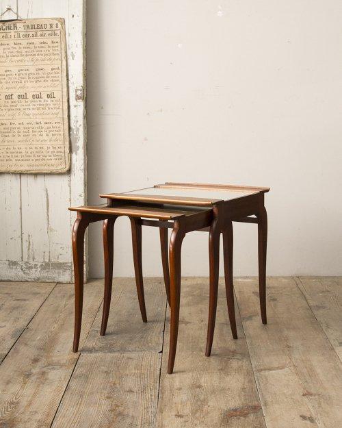 ネストテーブル  Nest Table