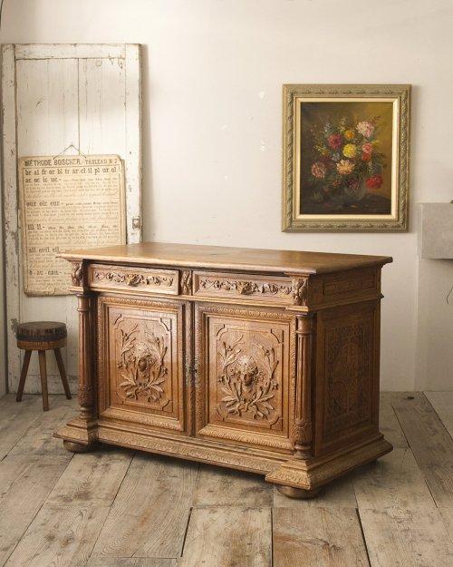キャビネット  Cabinet