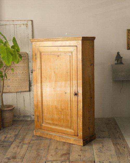 オールドパインキャビネット  Old Pine Cabinet